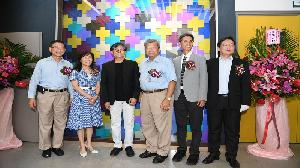 中鋼金屬實驗室攜手成大建築系 「鈦金華彩」藝術形象牆揭幕