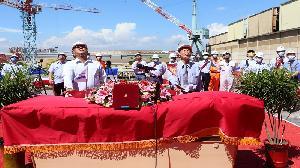 台船舉辦海巡艦艇首次豎桅典禮 豎立4000噸級巡防旗艦定海神針