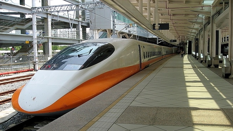 高鐵7月起增開18班次 每週提供1015班列車 晨間通勤時段台中北上提前發車